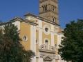 5-la-chiesa-con-il-campanile-romanico